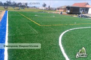 campos deportivos con materiales de alta resistencia